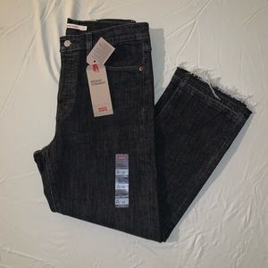 Levi's Wedgie Straight Cropped Jeans with fray